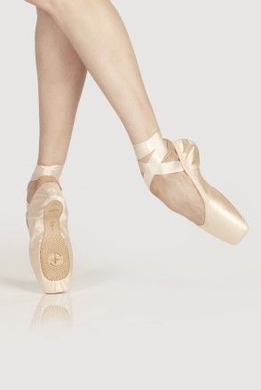POINTE SHOES OMEGA